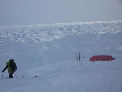 23linda glacier and tentp1000894